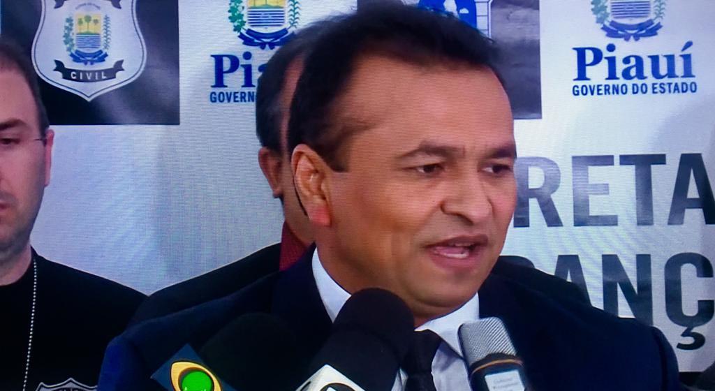 Secretário de Segurança Fábio Abreu em coletiva de imprensa