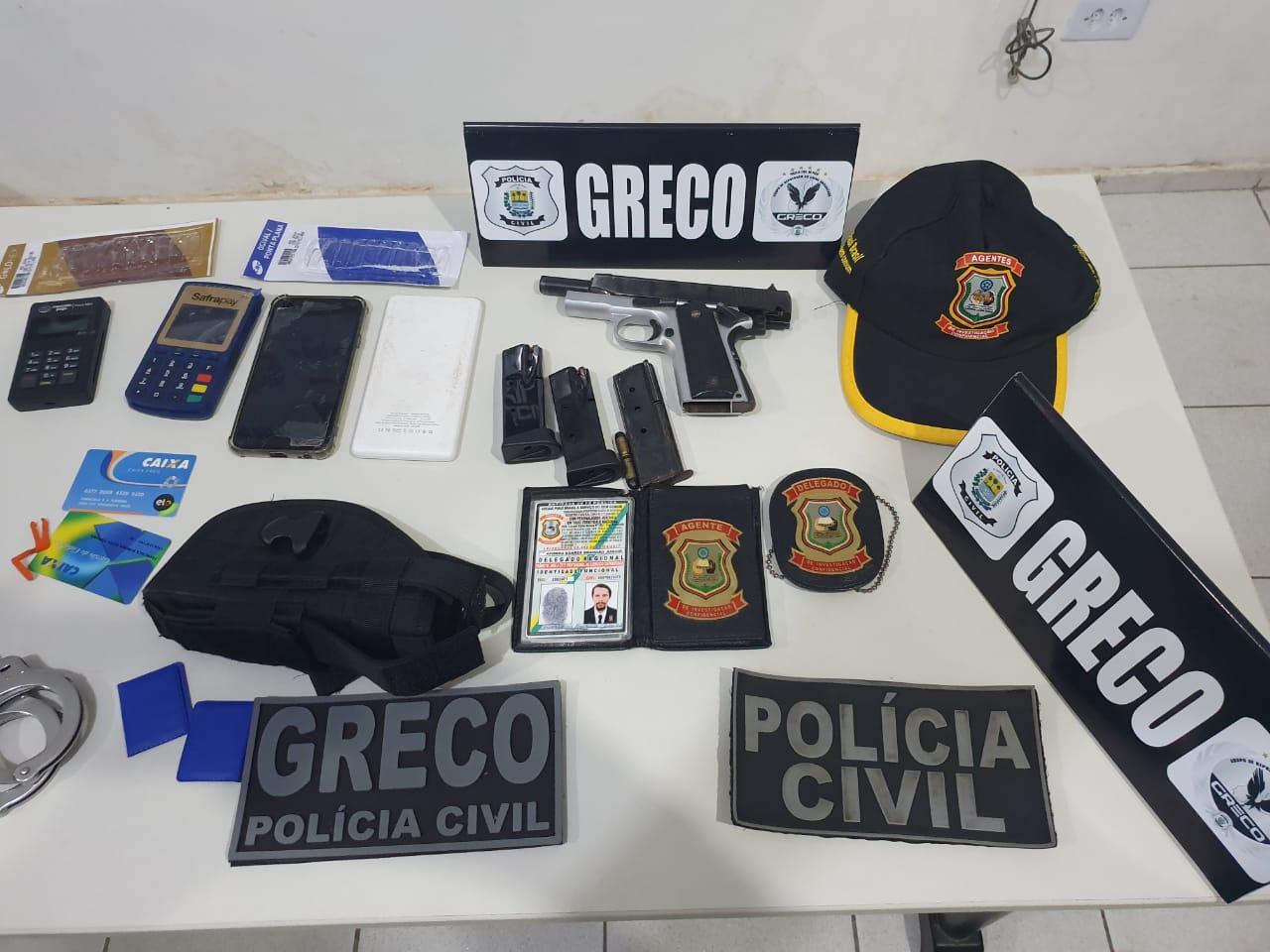 Objetos apreendidos com homem falso delegado na zona Norte de Teresina