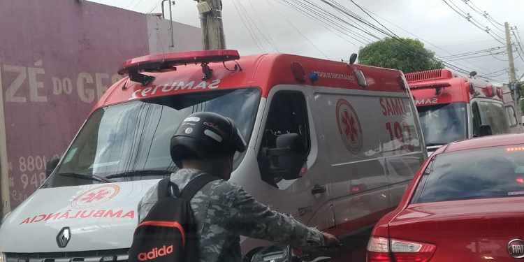 As ambulâncias do Samu foram acionadas ao local do acidente