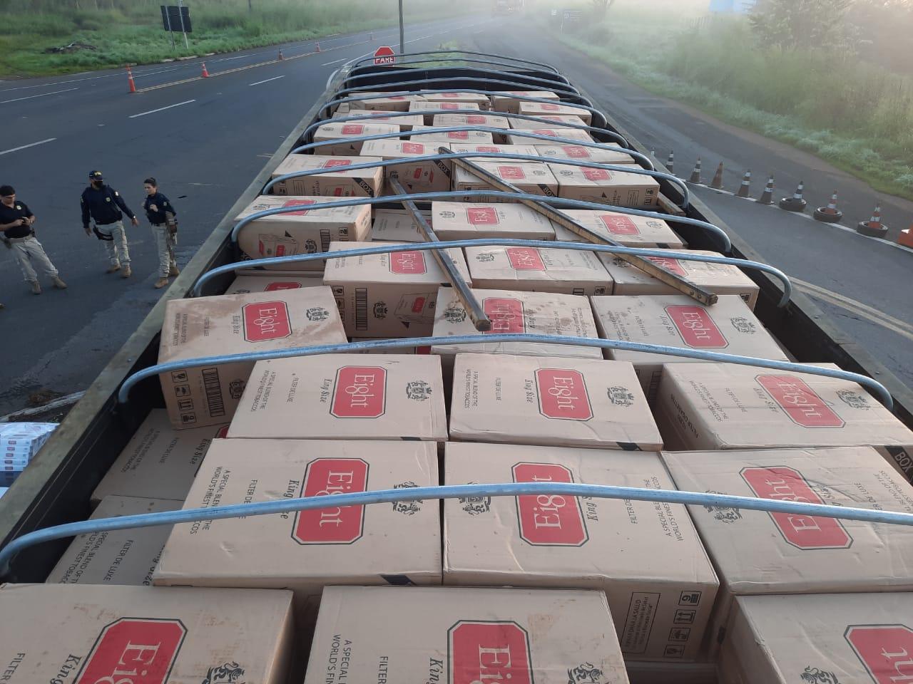 Carga de cigarros contrabandeados avaliada em R$ 1,5 milhão é apreendida pela PRF na BR 343